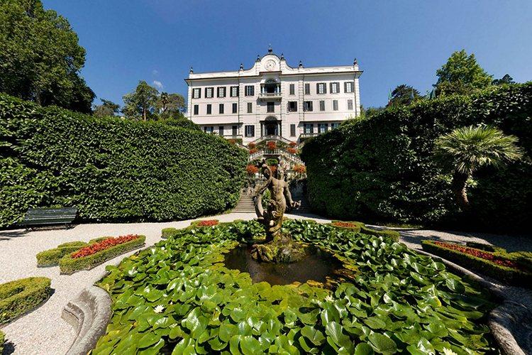Villa Carlotta lake Como wedding