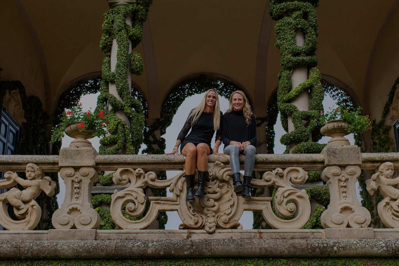 Cecile e Amelia organizzano matrimoni sul Lago di Como