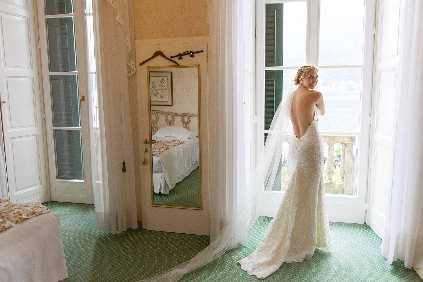 intimate destination wedding on lake como