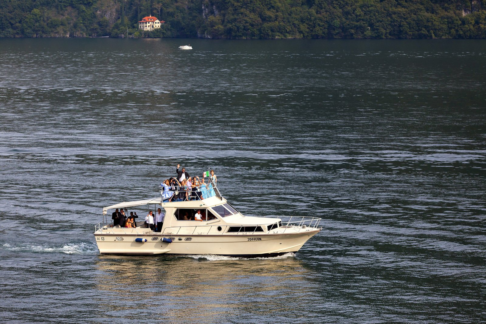 private boat for wedding villa balbianello