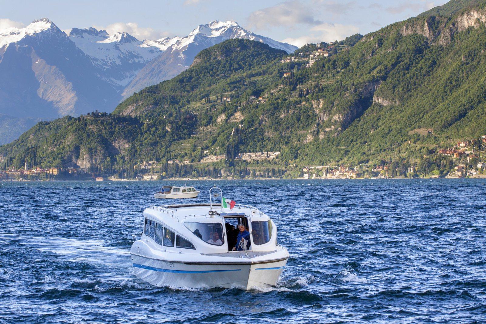 boat transportation for wedding in villa corte del lago