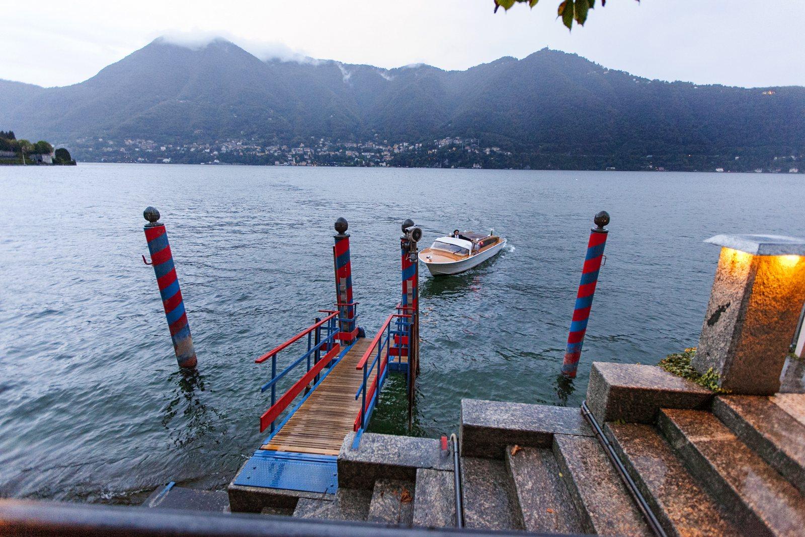 wedding boat transportation in villa d'este
