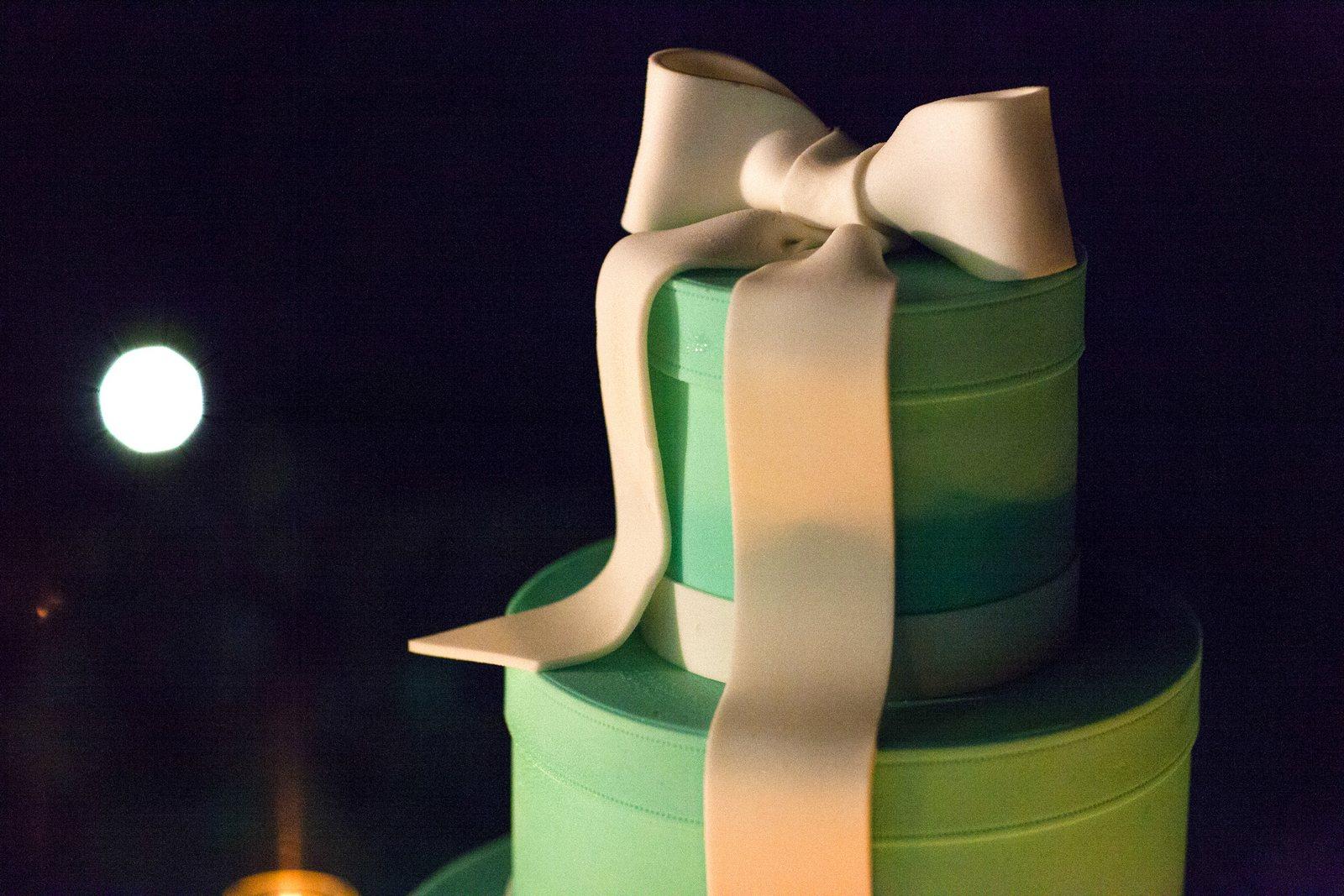 tiffany blue wedding cake villa balbianello