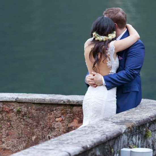 wedding-on-lake