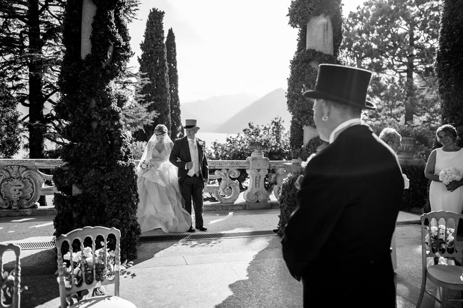 Bride and Groom in Villa Balbianello Lake Como